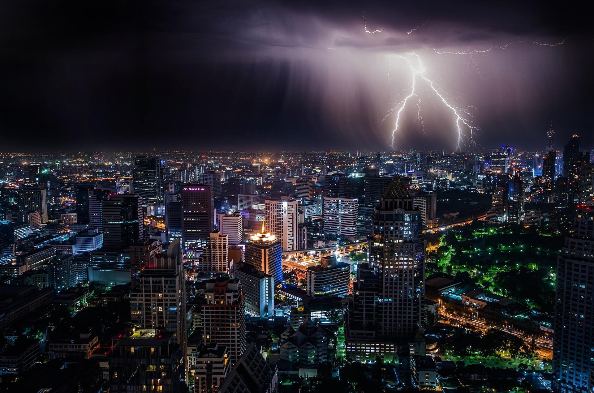 lightning_1082080_1920